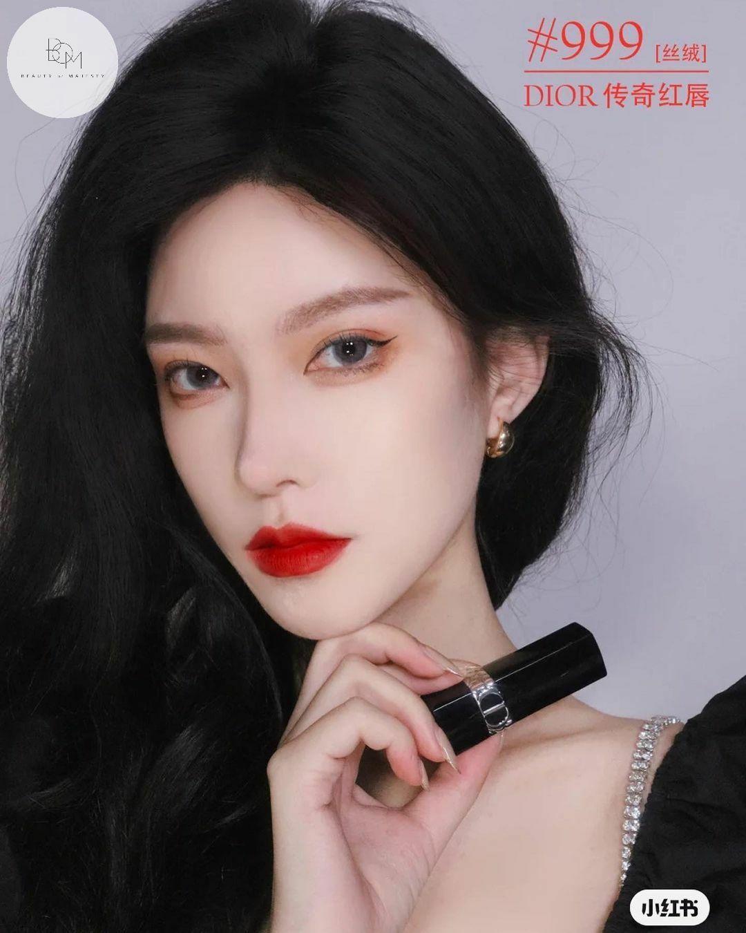 Son thỏi chính hãng Dior 999 tông màu phù hợp với kiểu makeup đậm